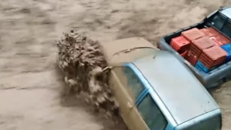 Foto/ Mot i keq dhe përmbytje në Greqi, vdesin dy persona - Liberale
