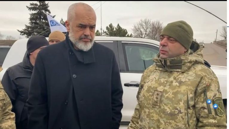 """Rama vizitë në zonën e """"nxehtë"""" të luftës në Ukrainë"""