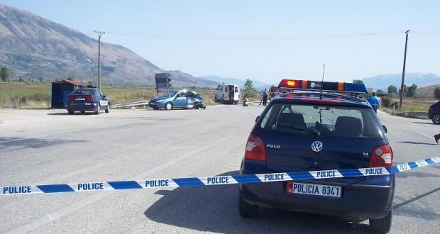 Aksidentohet makina e policisë, dy të plagosur