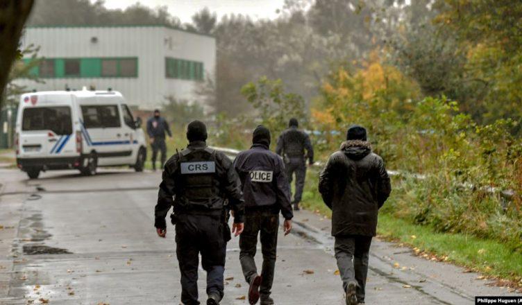 Franca dëbon familjen boshnjake, qethi vajzën sepse donte një serb