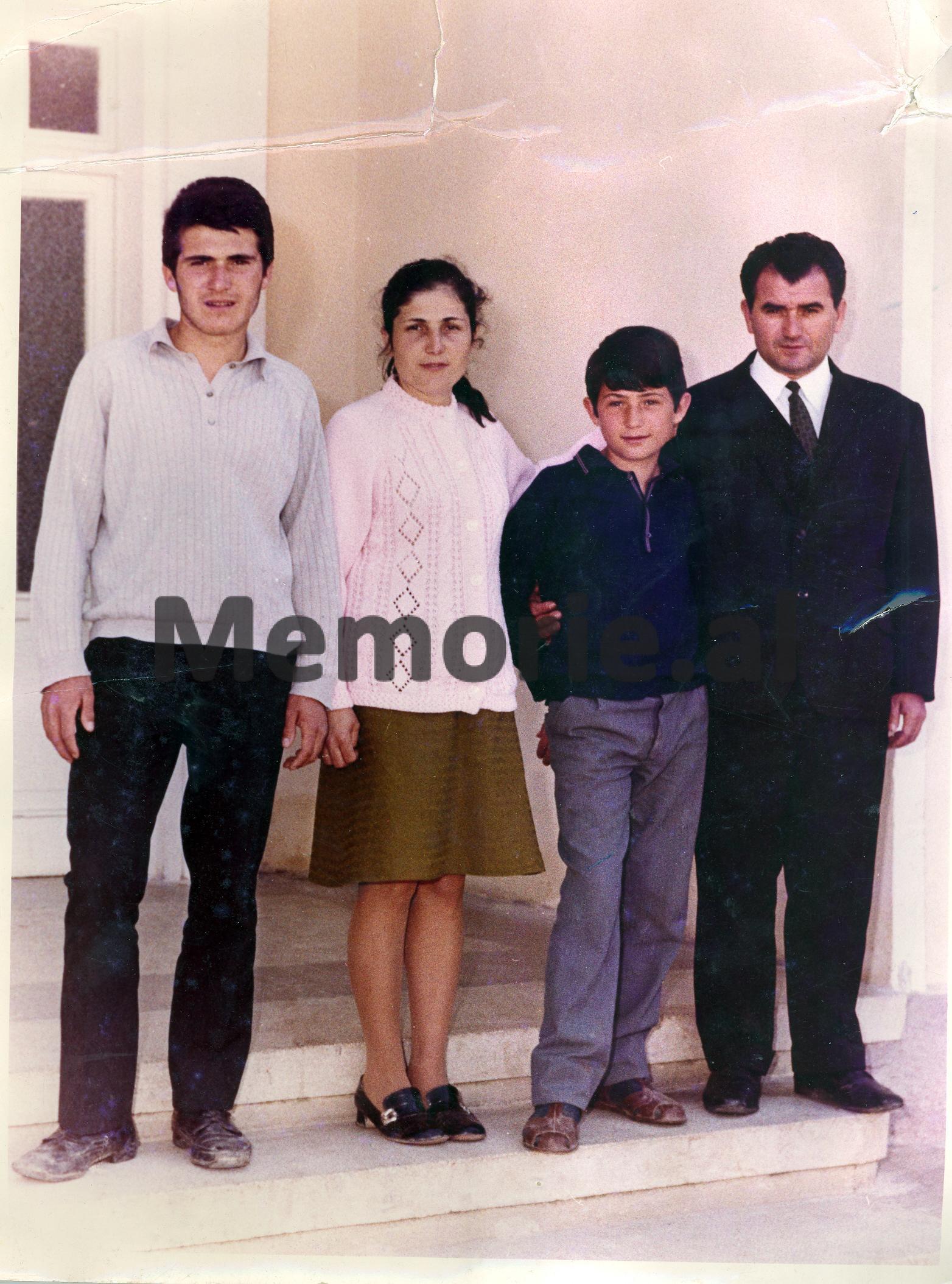 Ndue-Marashi-me-familjen
