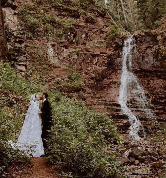 lily-collins-wedding-dress-295124-1631044197984-image.700x0c